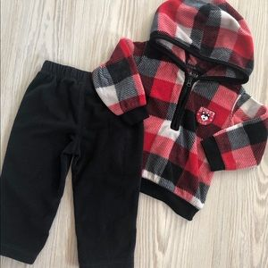Buy3get1free 🖤 12 Month Carters Fleece  Outfit